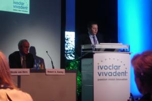 Josef Richter presents information on additional Ivoclar Vivadent innovations.